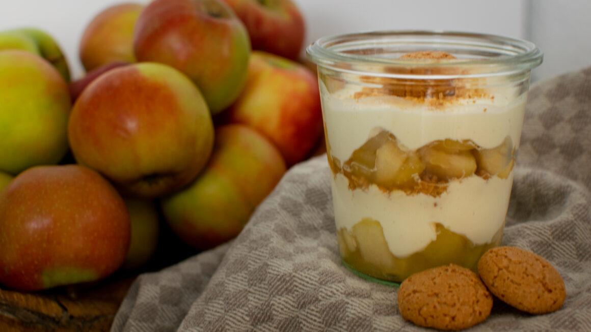 Apfel-Amarettini-Dessert