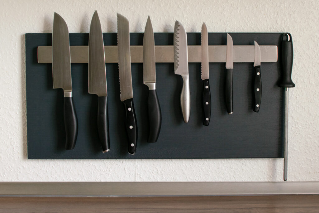 Magnetleiste mit Küchenmessern